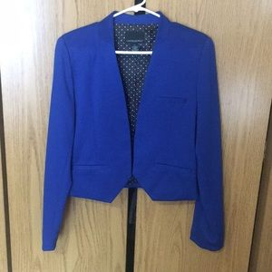 Sleek cobalt blue blazer